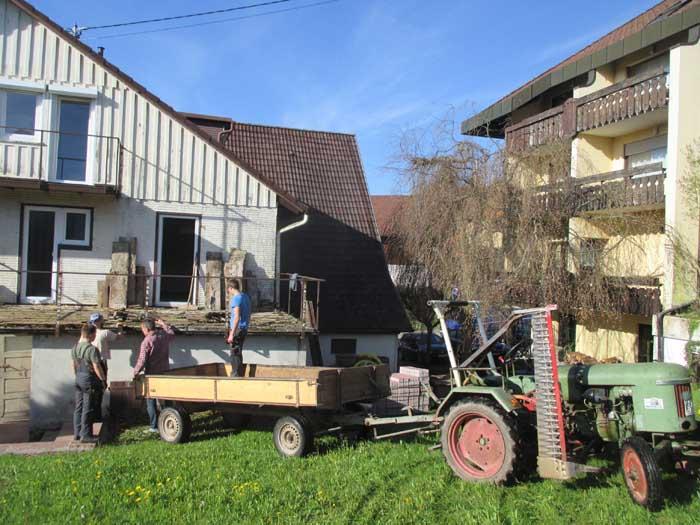 Der helfereinsatz aus dem ort helpers from the village for 10180 old well terrace